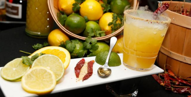 Whole Fruits or Fresh Fruit Juice: Which is Healthier and Why?