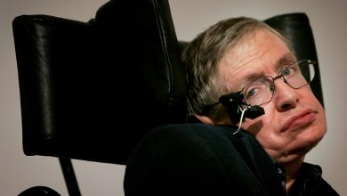Photo of British physicist Stephen Hawking dies at 76