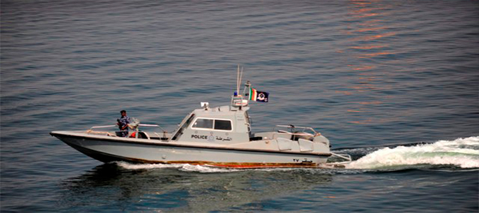 Photo of إنقاذ مواطنين غرق قاربهم في صحار