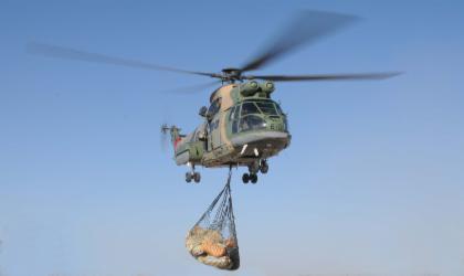 Photo of نقل مواد استهلاكية لإحدى المناطق الجبلية