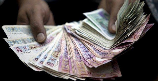 Photo of الكيومي يطالب بالتأني في إصدار أي زيادات جديدة على الرسوم والضرائب