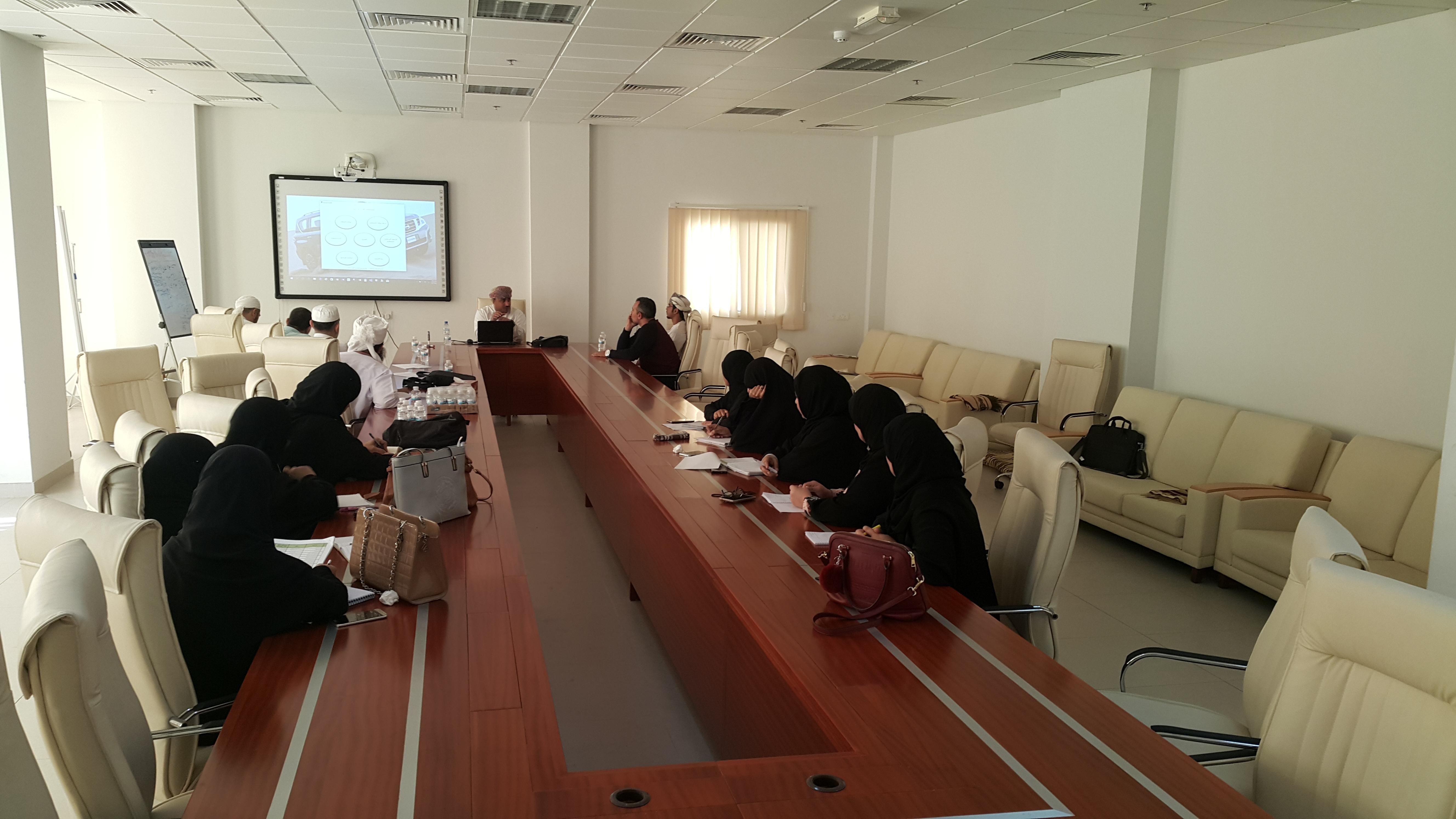 Photo of إقامة الورشة التدريبية الثانية للجنة تقييم مسابقة رتل وارتق للقرآن الكريم
