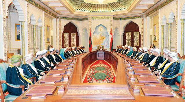 Photo of مجلس الوزراء الموقر.. متى أنشئ، وما اختصاصاته والمراسيم المتعلقة به؟