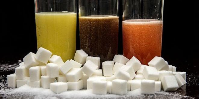 دراسة أمريكية تحذر من تناول المشروبات السكرية مع وجبات الطعام