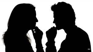 للزوجين: كيف تكون مهارة الاستماع بينكما مصدر طمأنينة ومودة؟