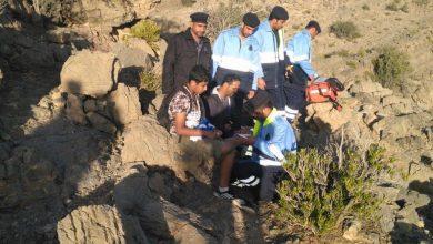 Photo of مساعدة أشخاص في الجبل الأخضر والشرطة تنبّه
