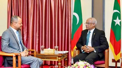 Photo of رئيس المالديف يستقبل السيد بدر بن حمد