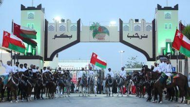 Photo of مواطنون من ظفار يفردون من ذاكرتهم حديثًا عن مسيرة النهضة المباركة