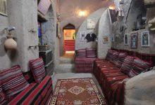 Photo of بالصور: عُمانية تُحوّل منزل أسرتها القديم إلى مَعلَمٍ زوّارُه من داخل السلطنة وخارجها